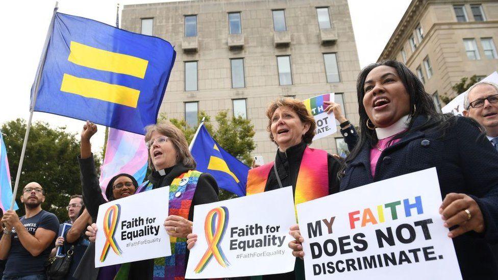 Bentuk Pergerakan Para Aktivis Persamaan Hak Untuk Kaum LGBT Di Amerika