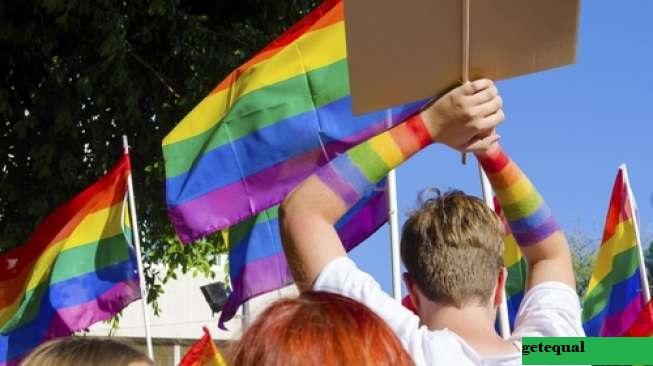 Hongaria Memberikan Suara Pada RUU Anti-LGBT di Tengah Protes